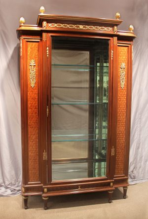 A François Linke Early 20th Century Louis XVI Style Gilt Bronze Mounted Parquetry Vitrine