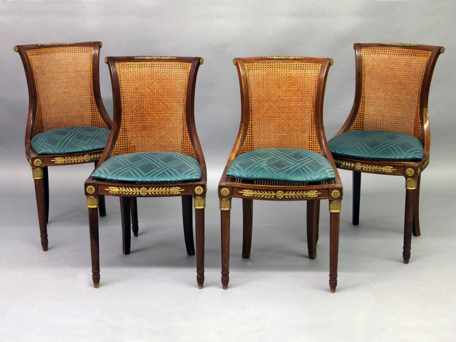 """Set of Four Curved """"S"""" Shaped Early 20th Century Antique Dining Room Chairs"""