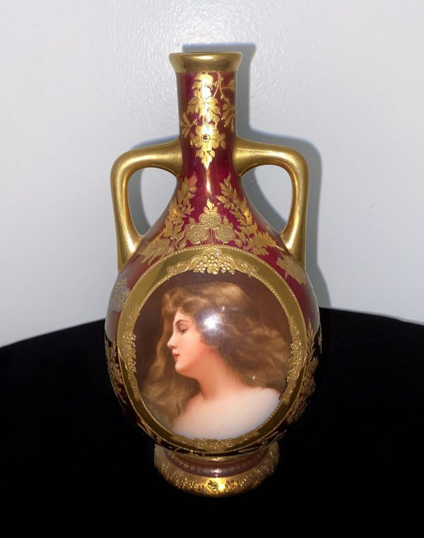 Late 19th Century Vienna Style Porcelain Vase with Oval Picture of Venus and Raised Gold Floral
